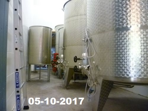 The alcoholic fermentation on indigenous yeasts ends calmly in tanks.